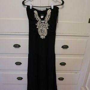 VENUS strapless black maxi dress with crochet